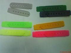 塑膠射出-運動帽排扣